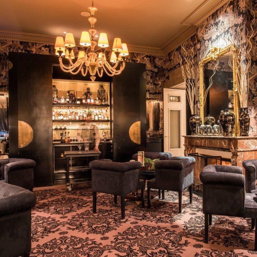 Henryk's Bar