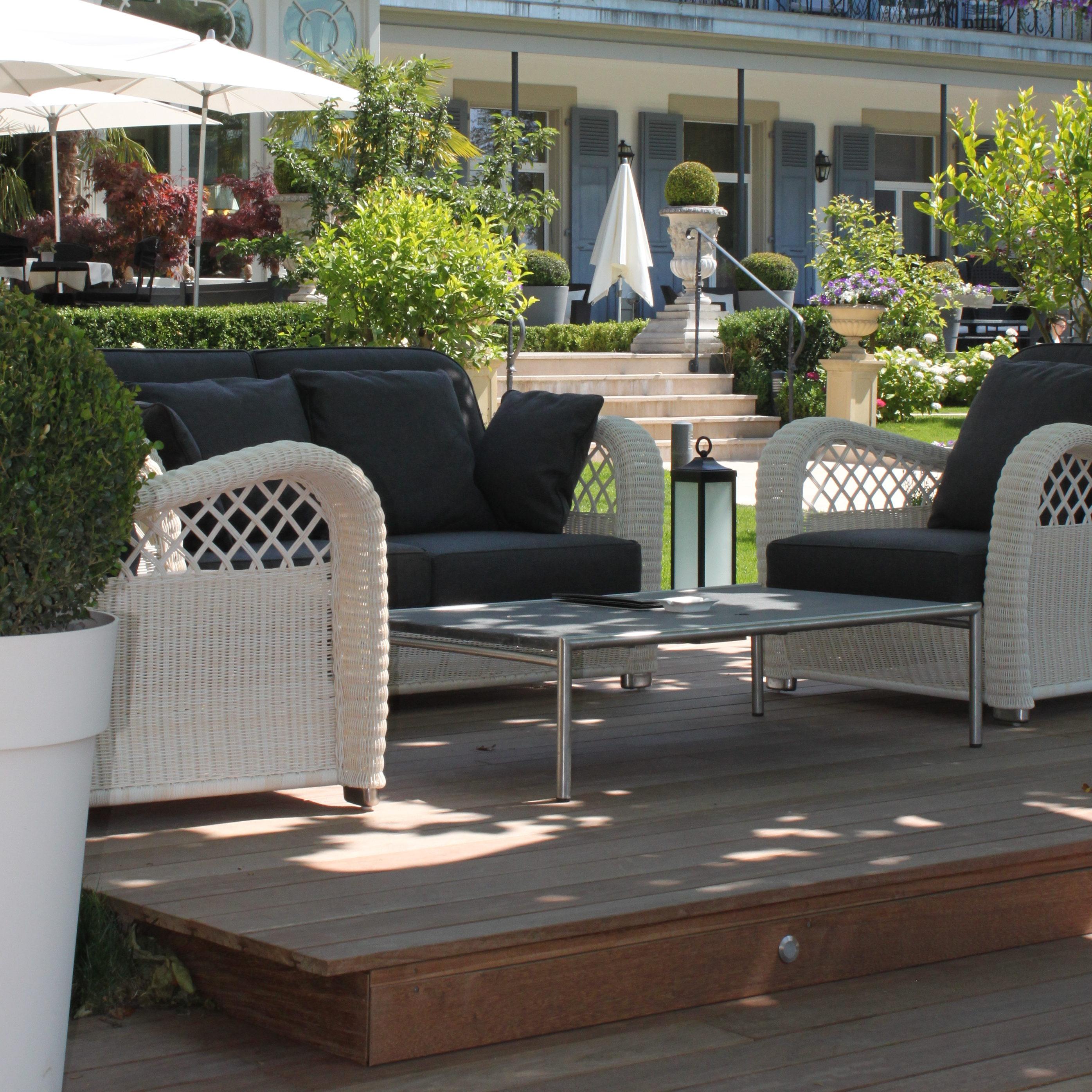 Marina Garden Lounge
